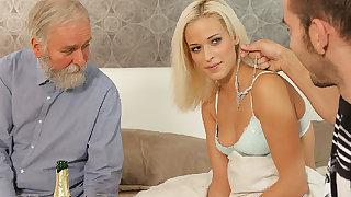 DADDY4K. Hot dad dragged son's girl into unexpected