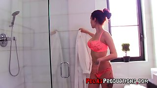 Busty miniature babe with juicy ass Ginger Overheated is taking a shower