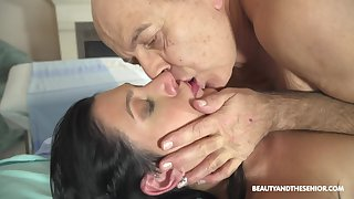Hot doctor fucks her much older patient at work and she's so deleterious