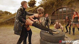 Rough anal for the dominant sluts in outdoor fetish scenes