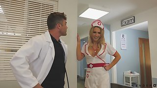 Sexy be attracted to helps her doctor with all his needs and she's got big breast